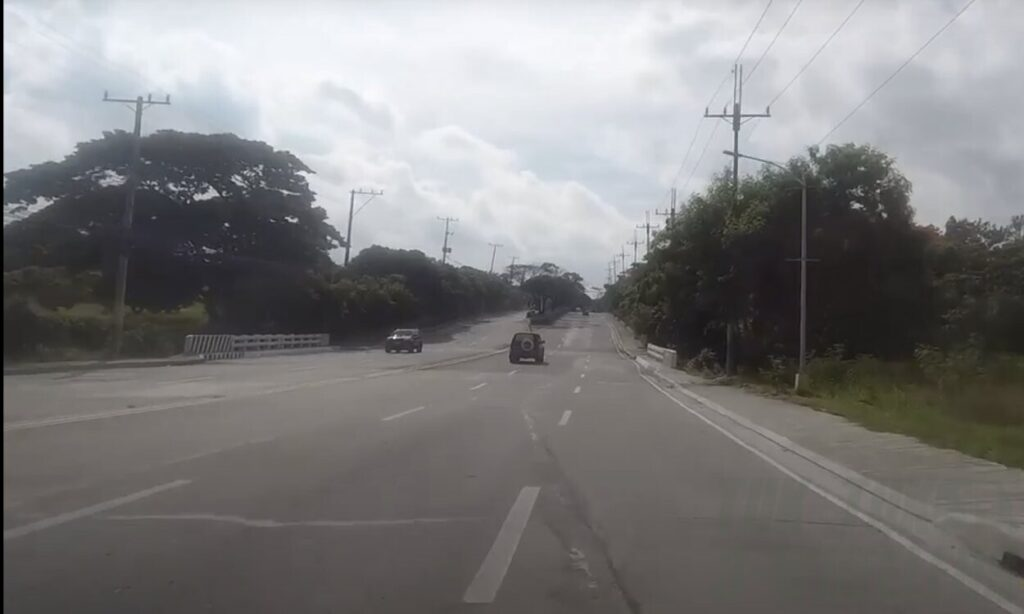 three-wheelers Right-hand Lane Rule