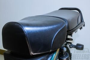 Split seat on XL100